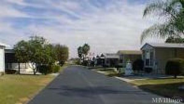 Lake Fox Village Mobile Home Park in Winter Haven, FL
