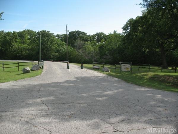Photo of Flowing Wells Resort, Pottsboro, TX