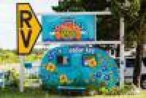 Photo of Sunset Isle RV Resort, Cedar Key, FL