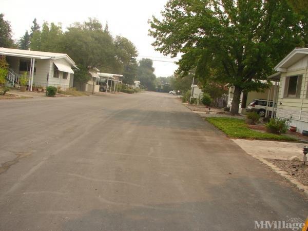 Photo of Starlite Mobile Estates, Redding, CA