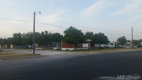 Deys RV and MHP Mobile Home Park in Andrews, TX