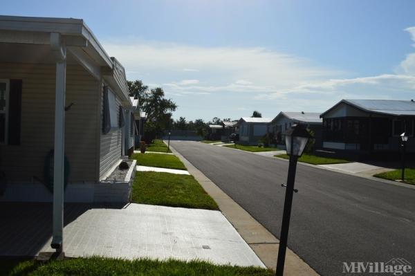 Photo of Oak Park Mobile Home Village, Alva, FL