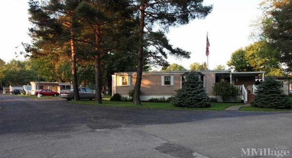 Meadowood Mobile Home Park in New Middletown, OH