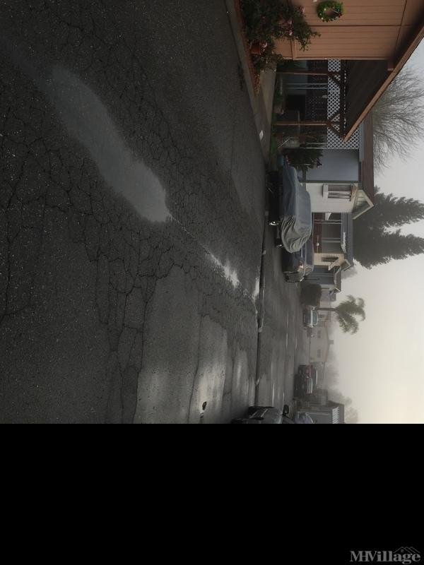 Photo of Castlewood Mobile Home Park, Marysville, CA