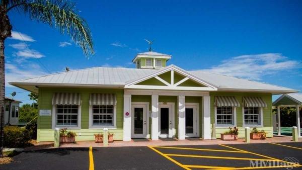 Waterside Club Mobile Home Park in Bradenton, FL