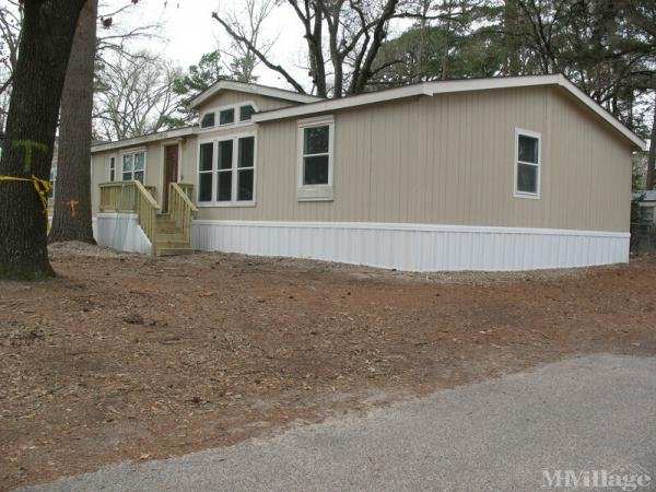 Brook Hollow Mobile Home Park Mobile Home Park in Tyler, TX