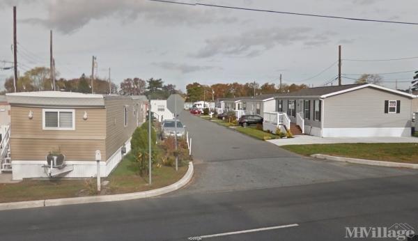 Harbor Crossings Mobile Home Park in Egg Harbor Township, NJ