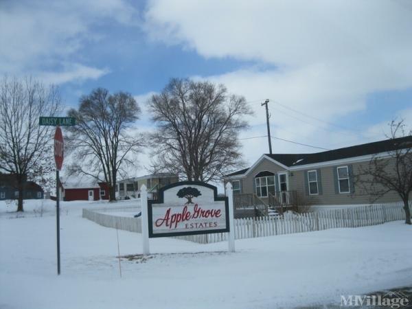 Apple Grove Estates Mobile Home Park in Kent City, MI