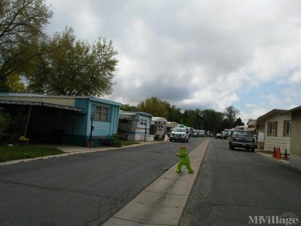 Weston Manor Mobile Home Park Mobile Home Park in Longmont, CO