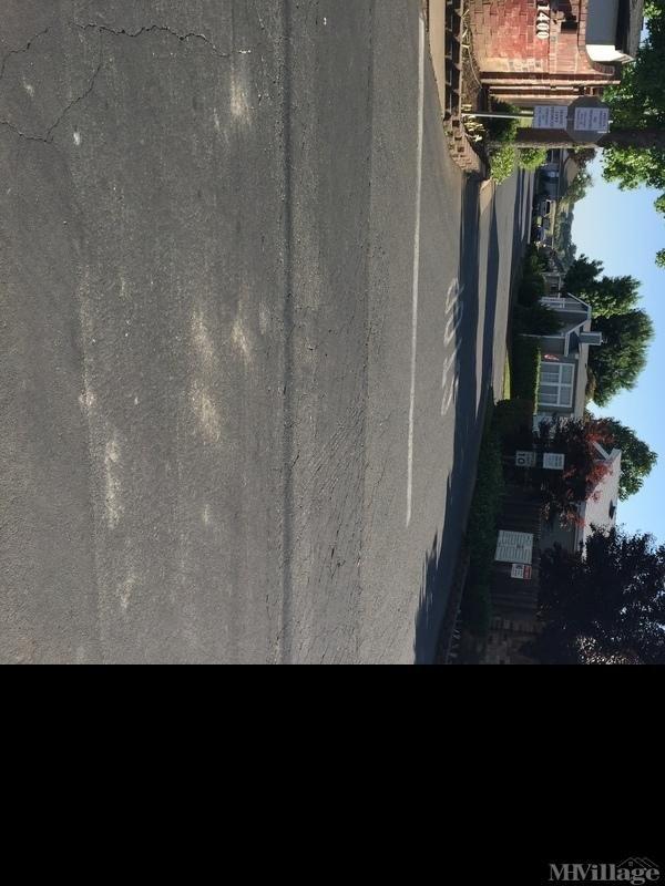 Photo of Castle Village MHP, Ione, CA