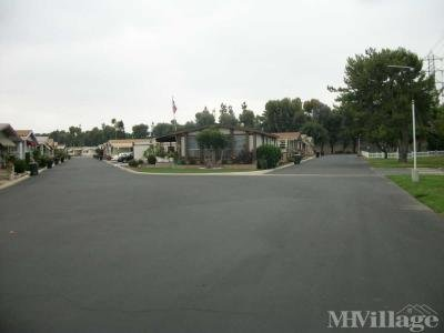 Clean , newly paved streets