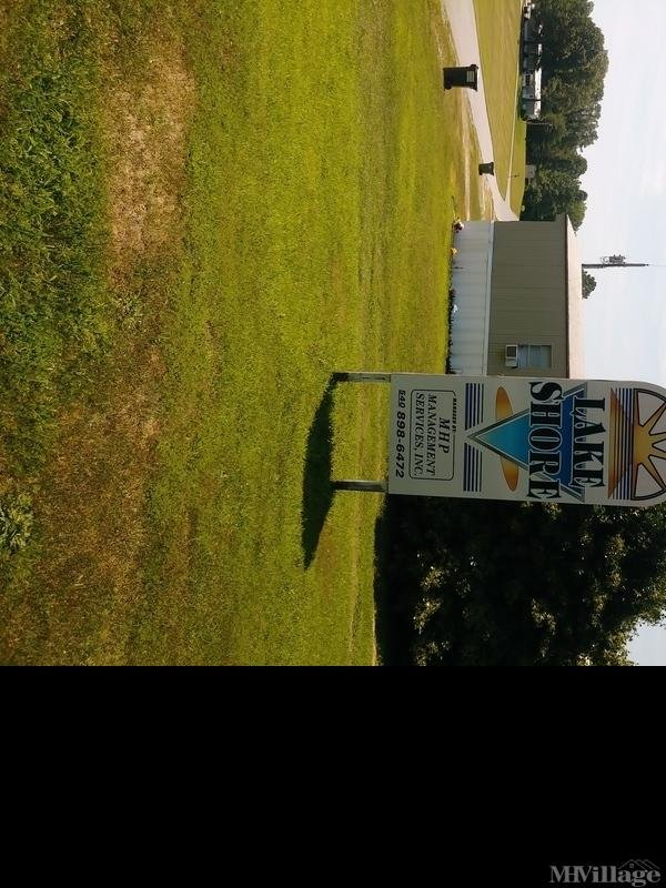Photo of Lakeshore Mobile Home Park, Bowling Green, VA