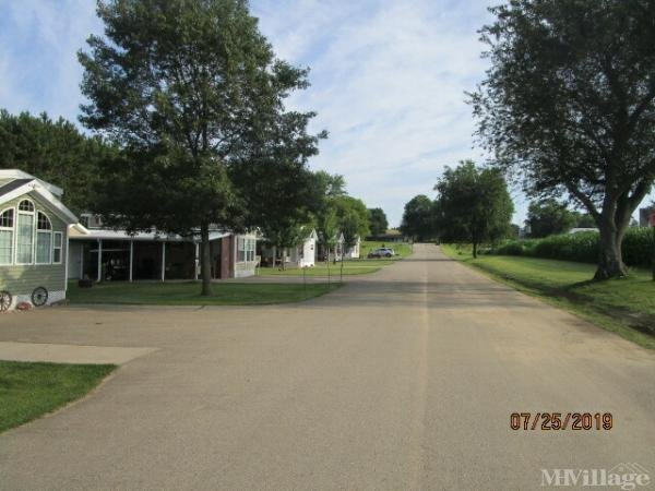 Stoney Creek RV Resort Mobile Home Park in Osseo, WI
