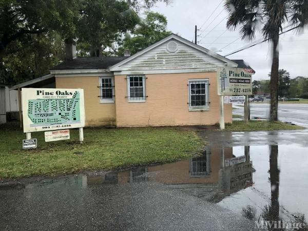 Pine Oaks Mobile Home Park in Jacksonville, FL