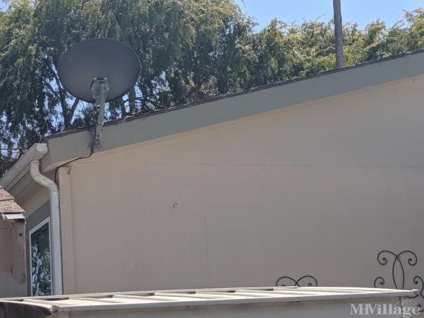 Photo of Los Robles Mobile Home Park, Novato, CA