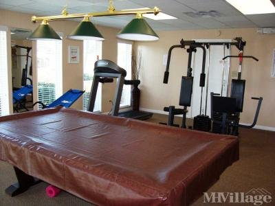 Exercise room w/billiard table