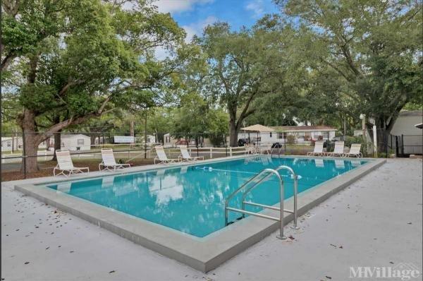 Woodland Estates Mobile Home Park in Jacksonville, FL