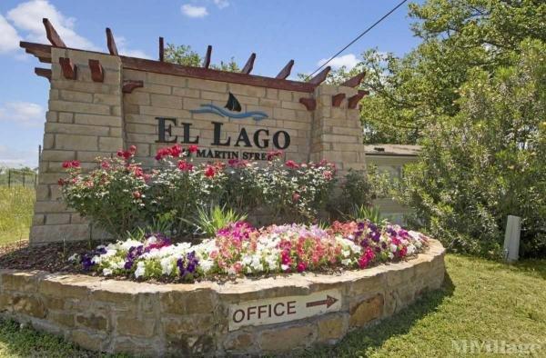 El Lago Mobile Home Park in Fort Worth, TX