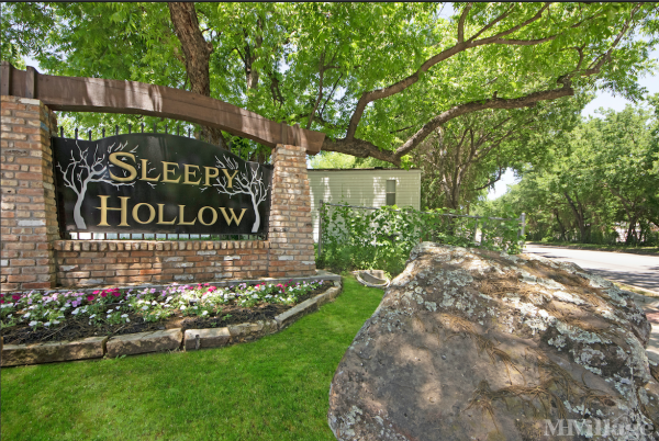 Sleepy Hollow Mobile Home Park in Fort Worth, TX