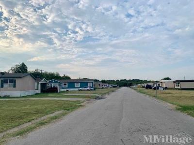 Mobile Home Park in Newark TX