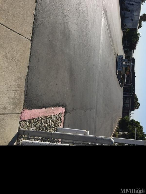Photo of Daisy Belle Mobile Home Park, Turlock, CA