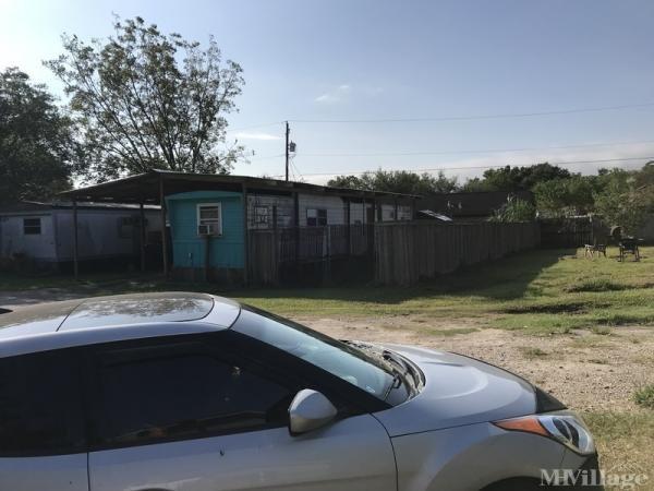 Photo of Estes Mobile Home Park, Angleton, TX
