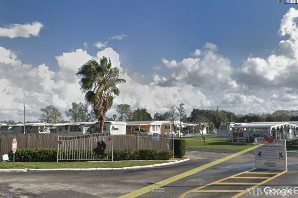 Strawberry Square Mobile Home Park in Plant City, FL