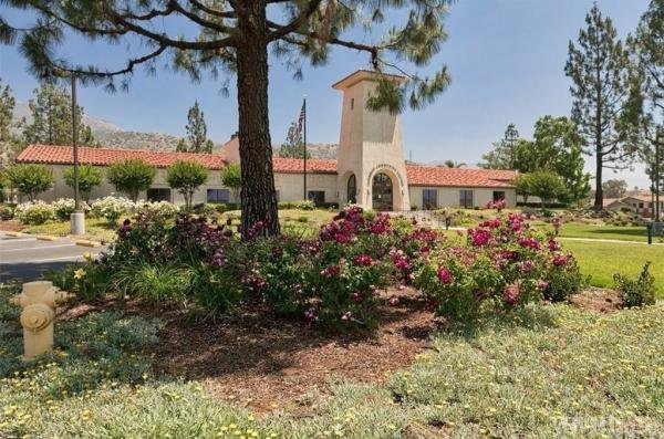 Photo of Oakridge Mobile Home Park, Sylmar, CA