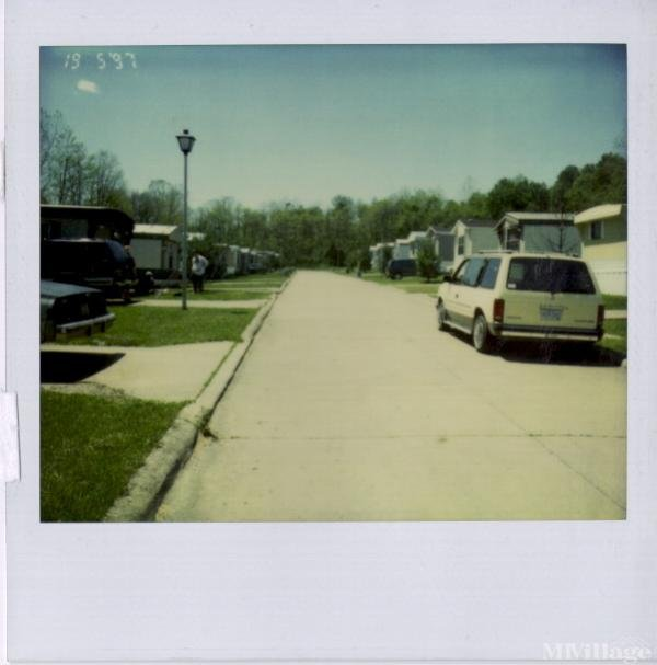 Knollwood Ct Phase I I Mobile Home Park in Athens, OH