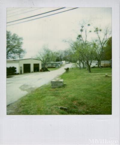 Mobile Home Park in Laceys Spring AL