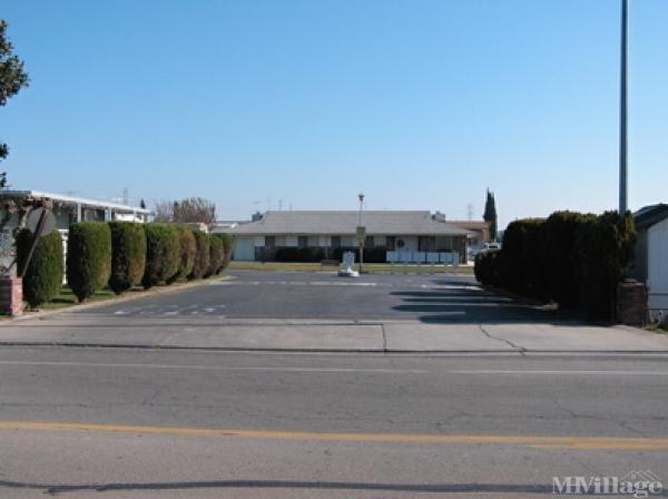 Photo of Casa De Amigos MHP, Oakdale, CA