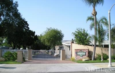 Fernwood MHC Entrance