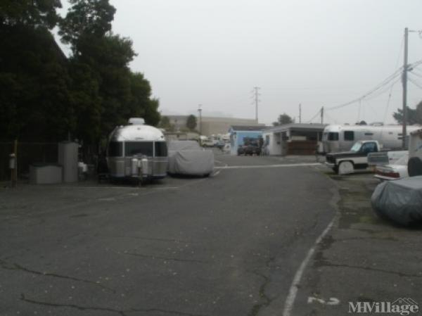 Photo of Golden Gate Trailer Court, Greenbrae, CA