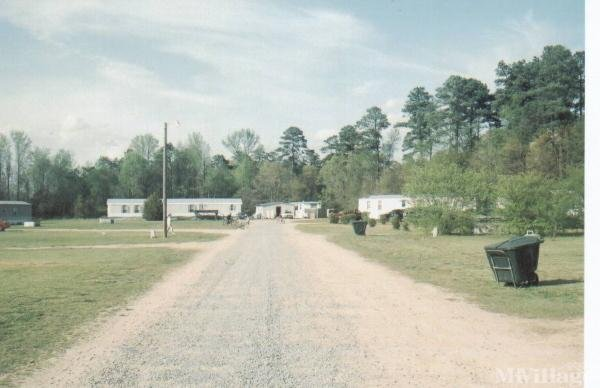 Photo of J & S Mobile Home Park, Pikeville, NC
