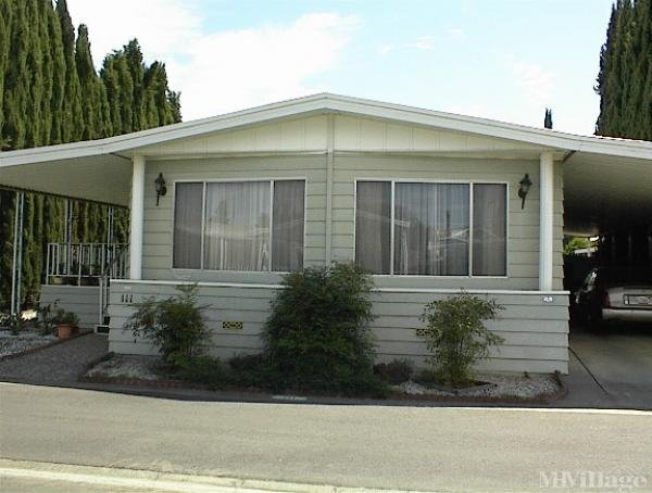 Photo of Leisureville Mobile Home Park, Woodland, CA