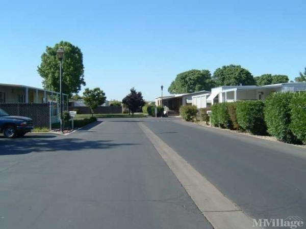 Photo of Magnolia Gardens Mobile Home Park, Lemoore, CA
