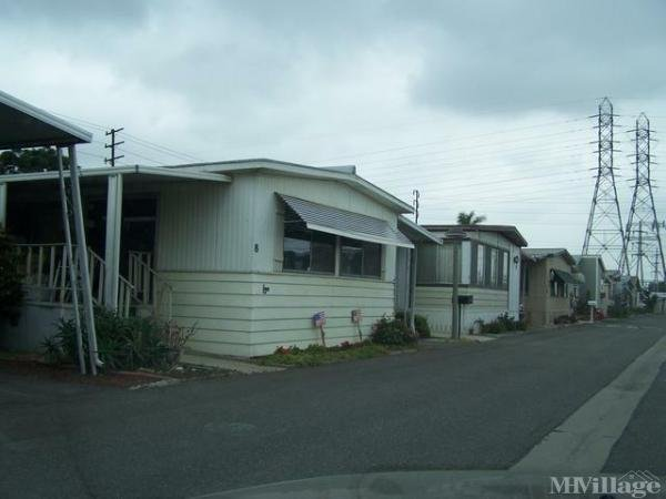 Photo of Mariner's Pointe Mobile Home Park, Huntington Beach, CA