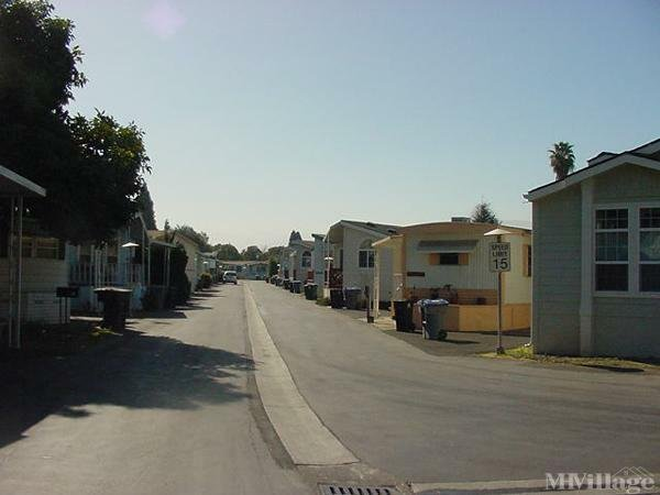 Photo of Moorpark Mobile Home Park, Mountain View, CA