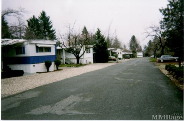 Photo of Pinecrest Mobile Home Park, Paradise, CA