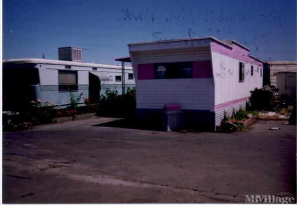 Photo of R C Mobile Home Park, Redwood City, CA