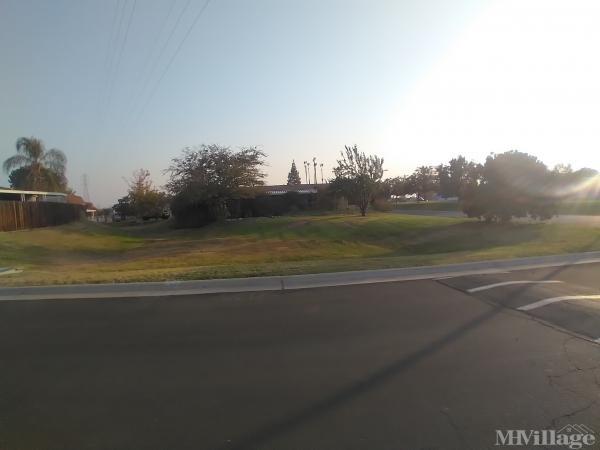 Photo of Highland Knolls Mobile Estates, Bakersfield, CA