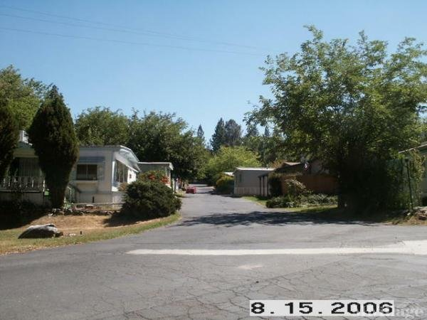 Photo of Roll In MHP, Sonora, CA