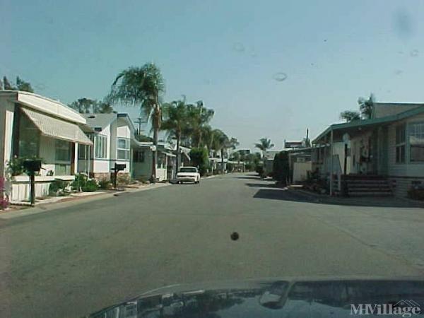 Photo of Thunderbird Villa Mobile Home Park, South Gate, CA
