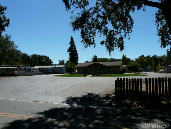 Photo of Valley Oaks Mobile Home Park, Willits, CA