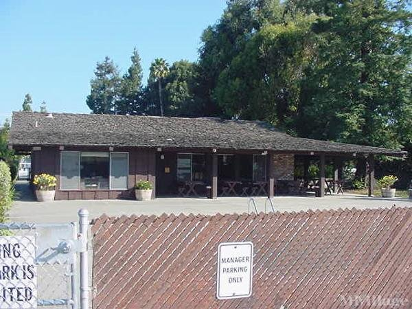 Photo of Moffett Mobile Home Park, Mountain View, CA
