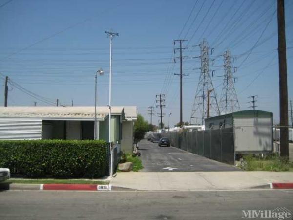 Tropic Mobile Homes Mobile Home Park in Bellflower, CA