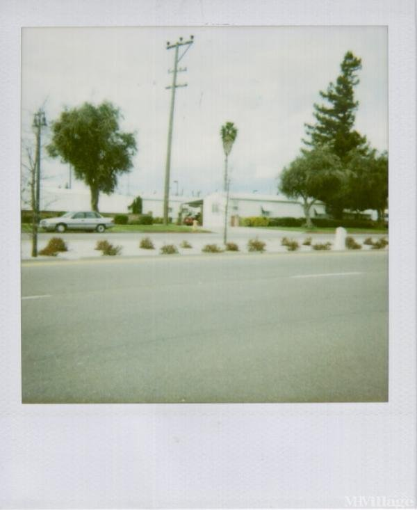 Photo of Cherokee Mobile Home Park, Lodi, CA