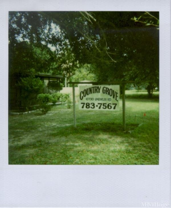 Photo of Country Grove Mobile Home Park, Thonotosassa, FL