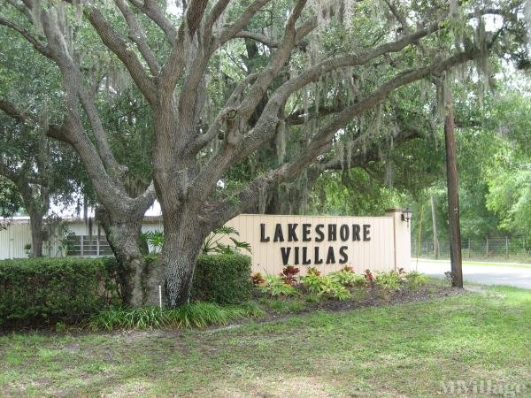 Lakeshore Villas Mobile Home Park in Tampa, FL