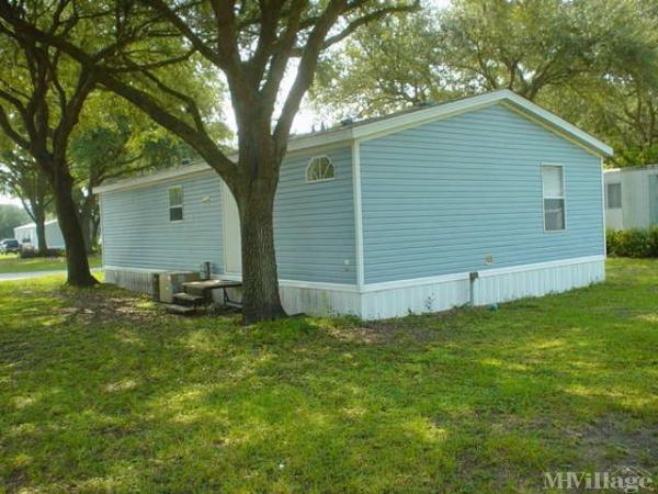 Windward Oaks Mobile Home Village Mobile Home Park in Plant City, FL